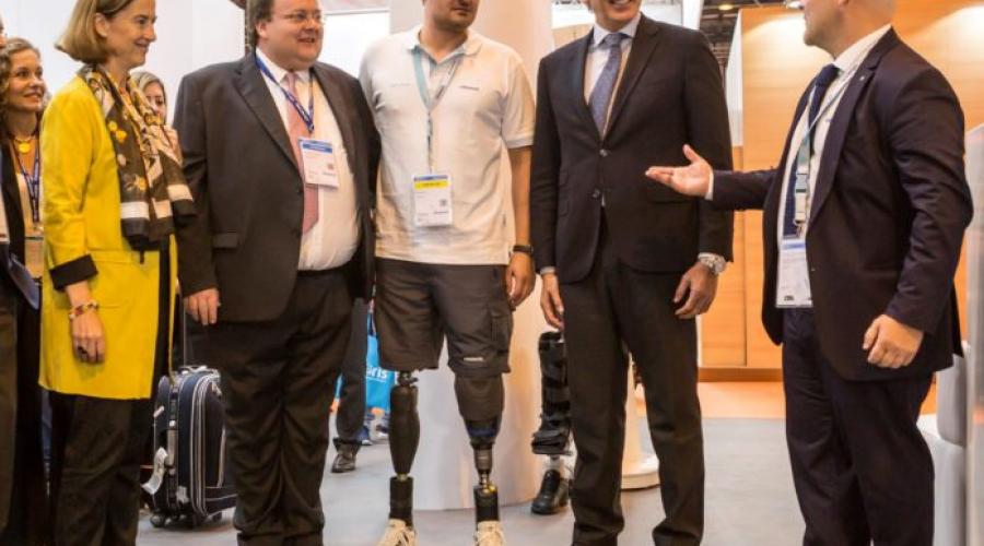 el-sector-de-la-ortopedia-mira-al-futuro-con-las-nuevas-prtesis-inteligentes-696×597